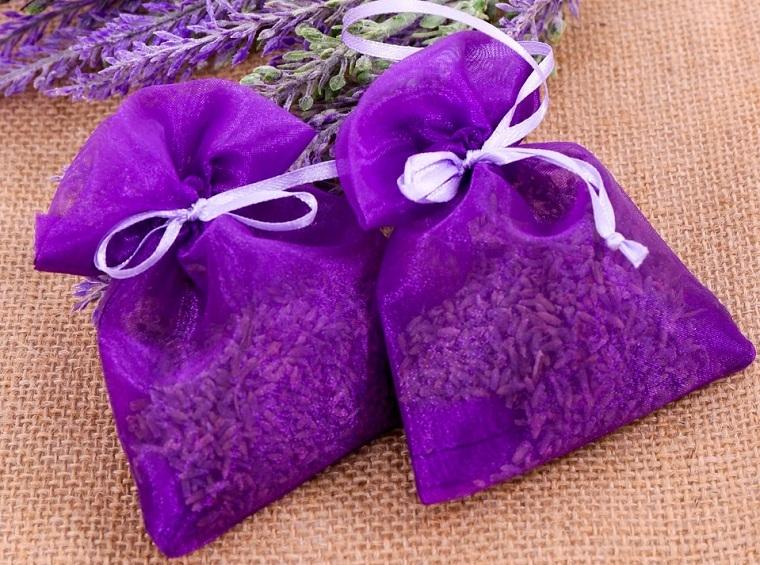 Đặt túi thơm đánh bay mùi khó chịu